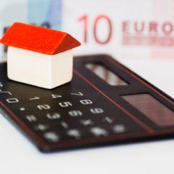 La taxe d'habitation supprimée en 2022 pour tous les Français à l'exception des résidences principales